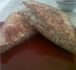 Toasted faux chicken mayonaisse sandwich to fool any omnivore. Photo © Mel 'Simple Vegan Cooking'.