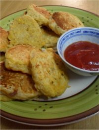 Vegan recipe for sweetcorn fritters that are a tasty kid-friendly treat that can be enjoy by the young and young at heart. Photo © Mel 'Simple Vegan Cooking'.