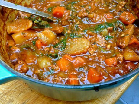 Miriam has veganised one of her Greek mother's rich, full colour and flavour specialities into a luscious, warming and hearty vegan stew which will have you licking your fingers! Photo © Miriam 'Mouthwatering Vegan Recipes'.